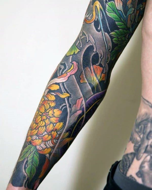 Chrysanthemums-with-Waves-Tattoo